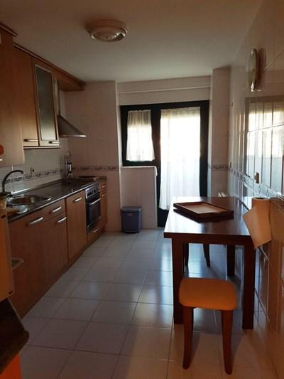 http://inmuebles.camarasalamanca.es/img/cargadas/0lgixro3bcc2xb4j0kgnagae/alquiler-piso-comuneros-rollo-9-.jpg